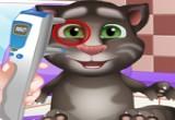 لعبة القط التحدث الصغير عند طبيب العيون