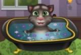 لعبة استحمام القط الناطق